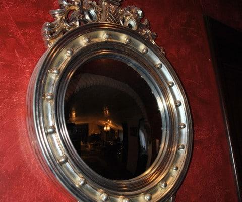 Specchio antico lavorato con foglia argento